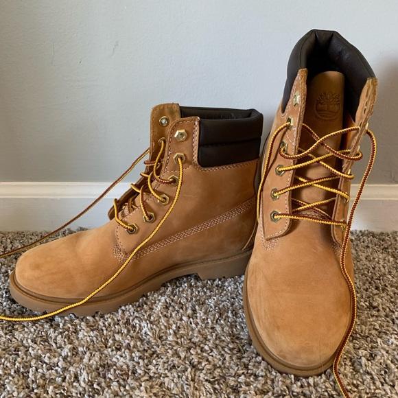 4813cba9b9f Women's 7.5 Timberland Boots - Like New!